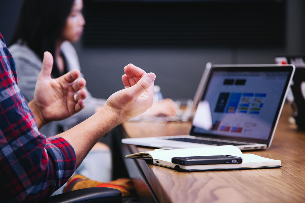Tips Bersaing Secara Sehat Dengan Rekan Kerja